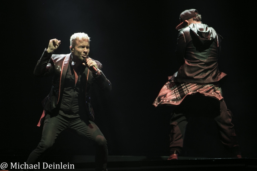 Backstreet Boys @ The KFC YUM! Center in Louisville, KY   Photo by Michael Deinlein