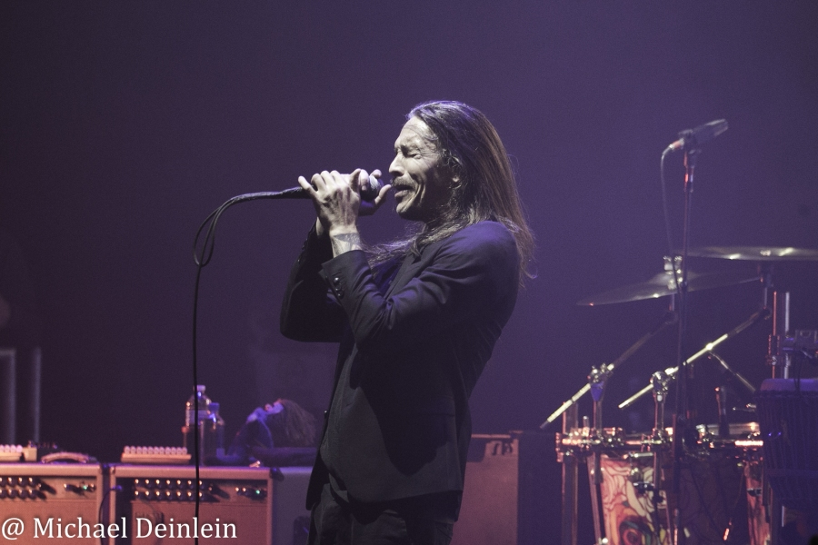 Incubus @ The Louisville Palace in Louisville, KY   Photo by Michael Deinlein