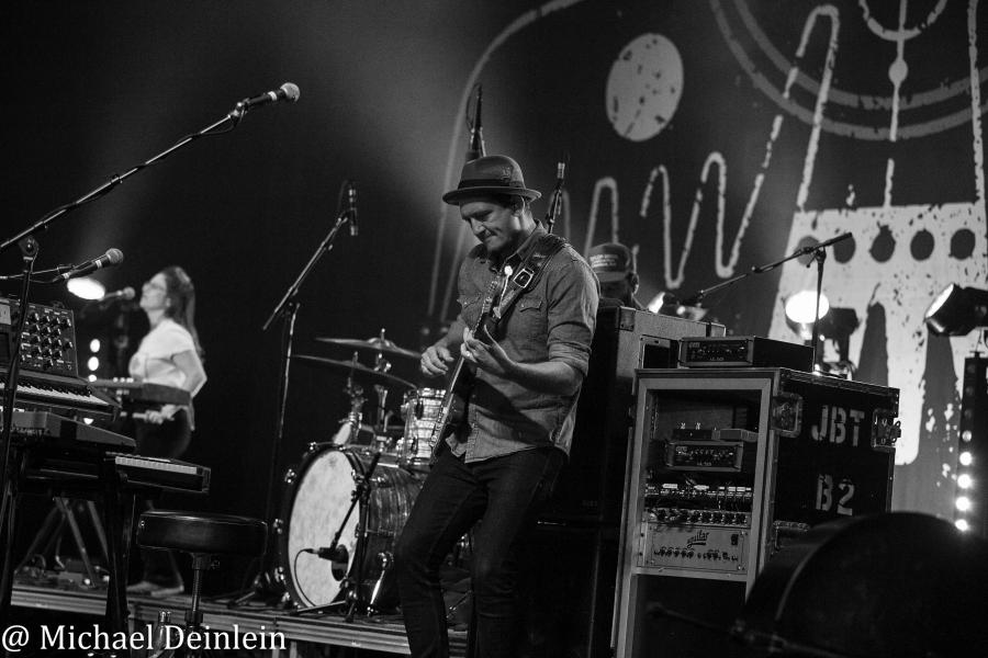 John Butler Trio @ Iroquois Amphitheater in Louisville, KY | Photo by  Michael Deinlein