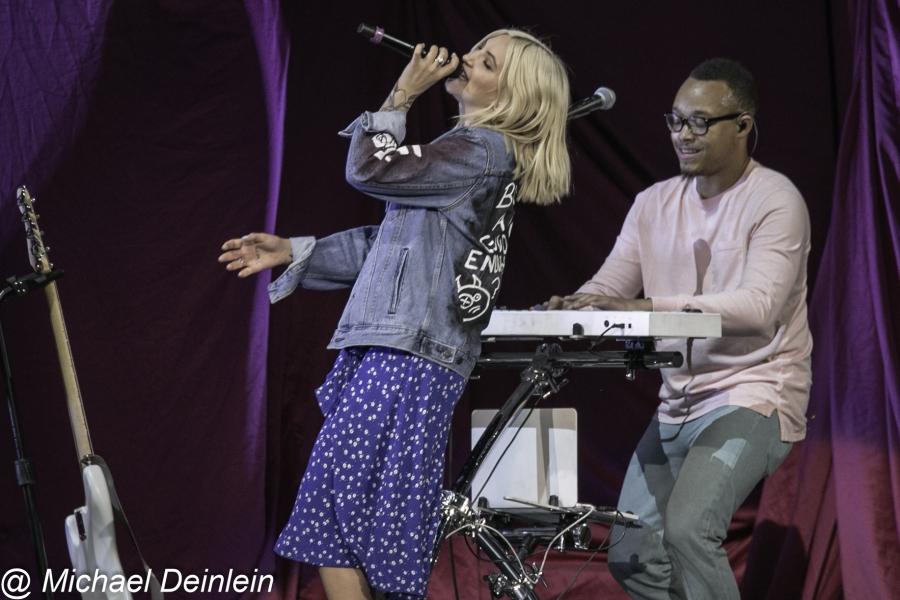 Julia Michaels @ Rupp Arena in Lexington, KY | Photo by Michael Deinlein