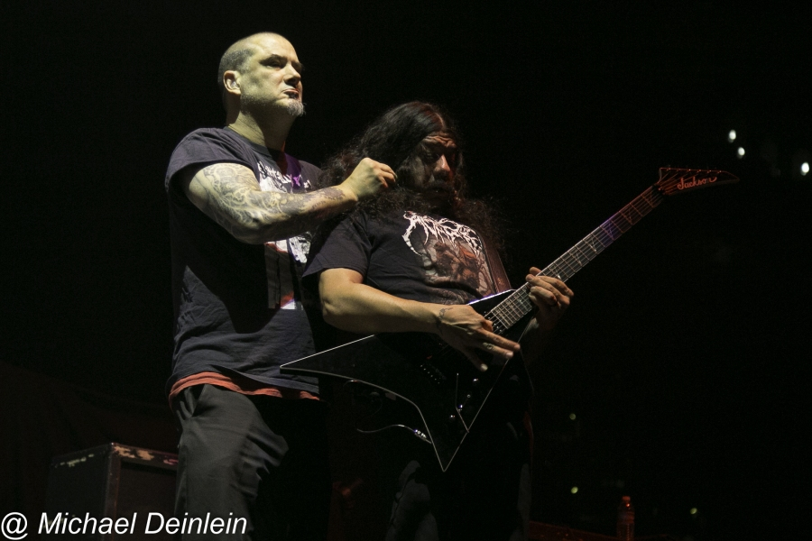 Phil Anselmo and The Illegals @ The KFC Yum! Center in Louisville, KY | Photo by Michael Deinlein