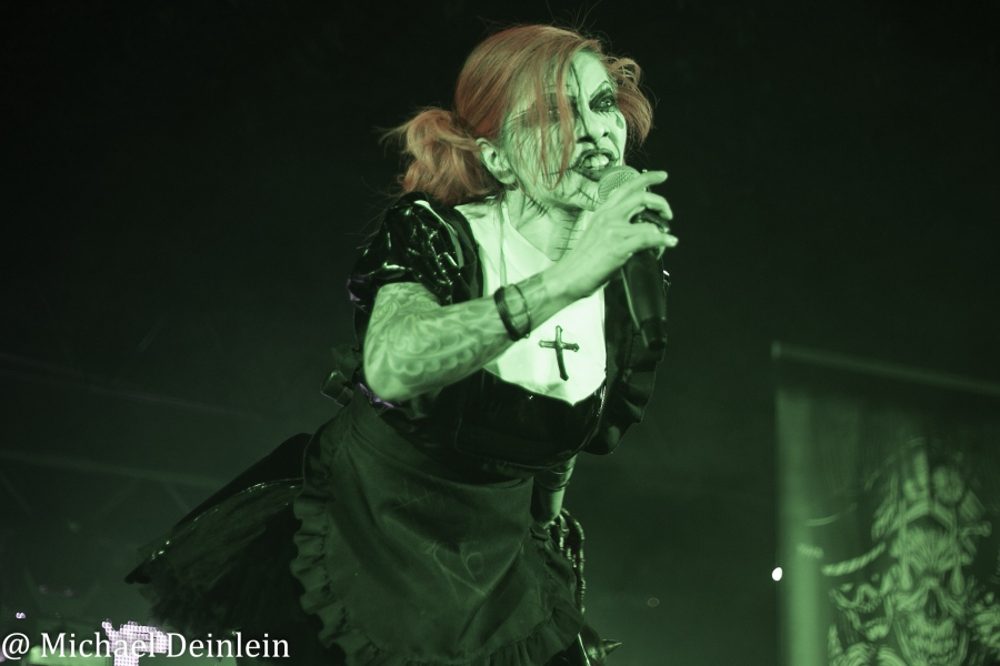 Raven Black  @ Riverfront Live in Cincinnati, OH | Photo by Michael Deinlein