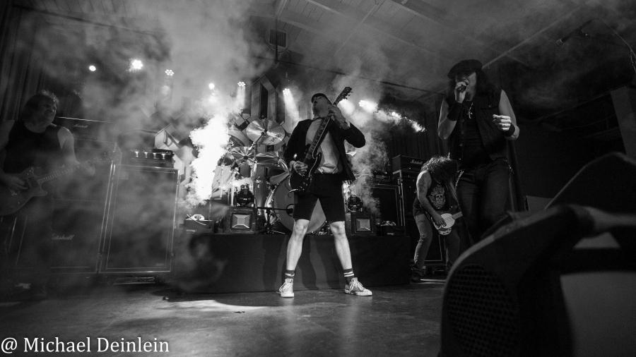 Thunderstruck-ManchesterMusicHall-Lexington_KY-20191214-MichaelDeinlein-20