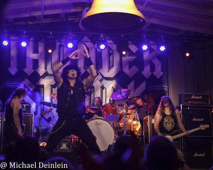 Thunderstruck-ManchesterMusicHall-Lexington_KY-20191214-MichaelDeinlein-26