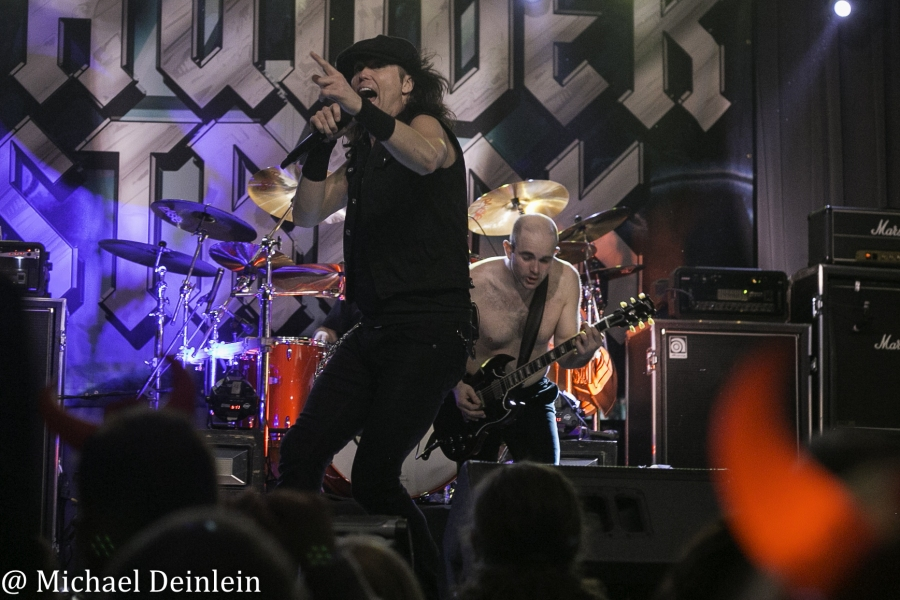 Thunderstruck-ManchesterMusicHall-Lexington_KY-20191214-MichaelDeinlein-32