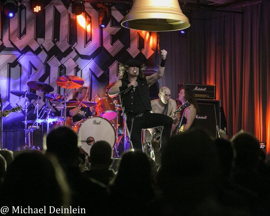 Thunderstruck-ManchesterMusicHall-Lexington_KY-20191214-MichaelDeinlein-6